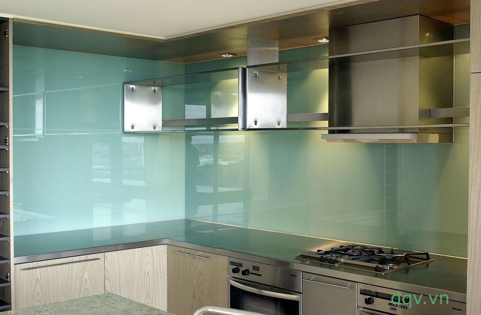 kính màu ốp bếp màu xanh non
