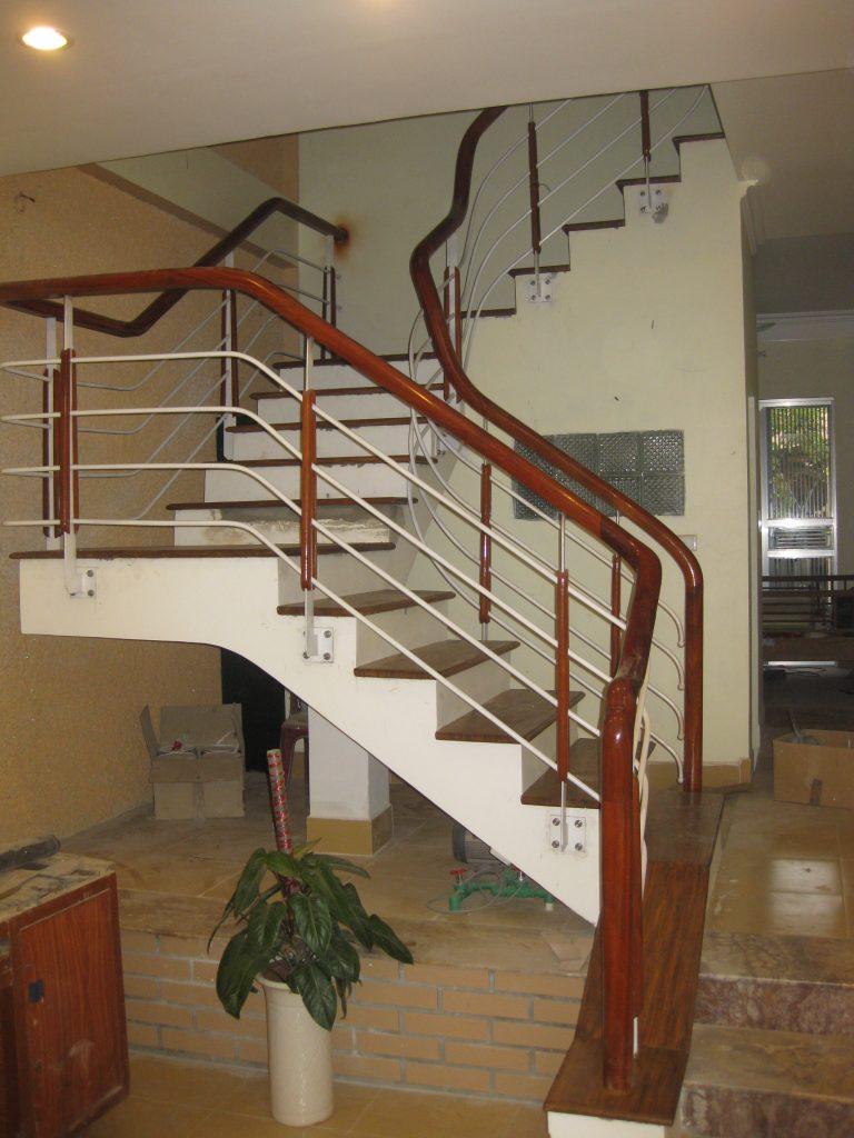 Mẫu cầu thang sắt hộp-Mẫu 1