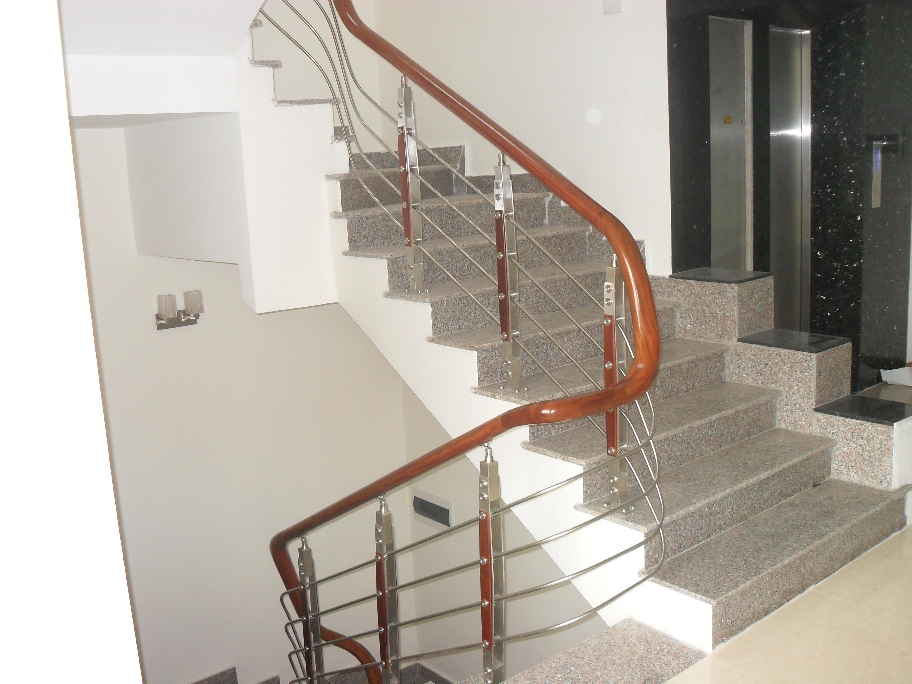 Cầu thang inox 3