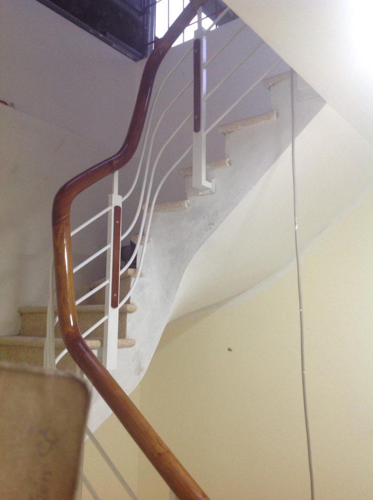 Mẫu cầu thang sắt hộp-Mẫu 3