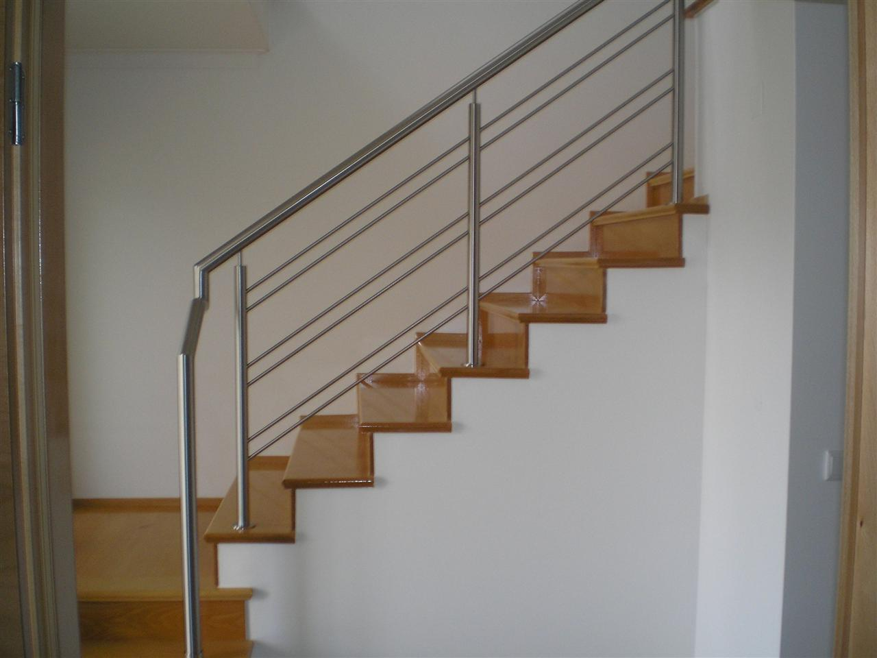 Cầu thang inox 7