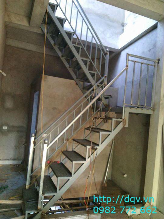 Cầu thang xương cá bê tông#6