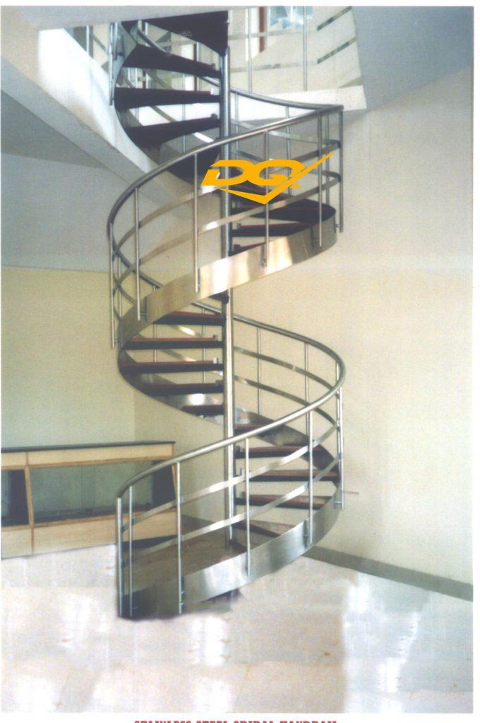 Cầu thang xoắn ốc bằng inox