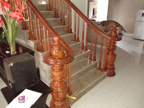 Cầu thang phòng khách cho nhà ống#1