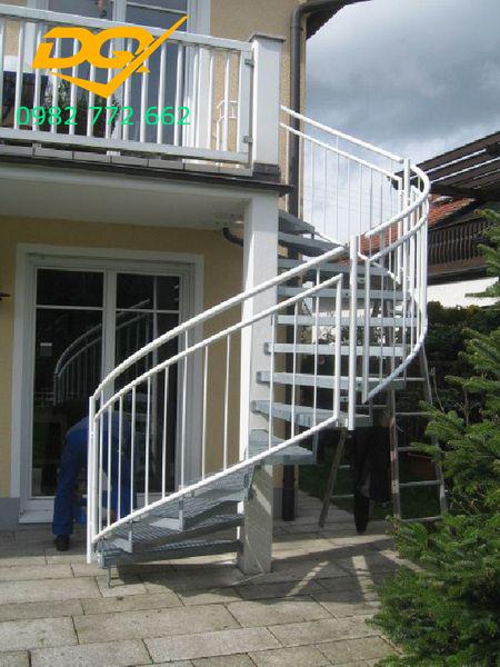 Tìm hiểu kích thước cầu thang xoắn ốc bằng sắt#1