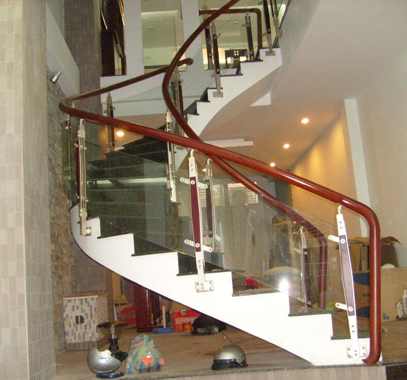 Cầu thang kínhcường lực tay vịn gỗ#7