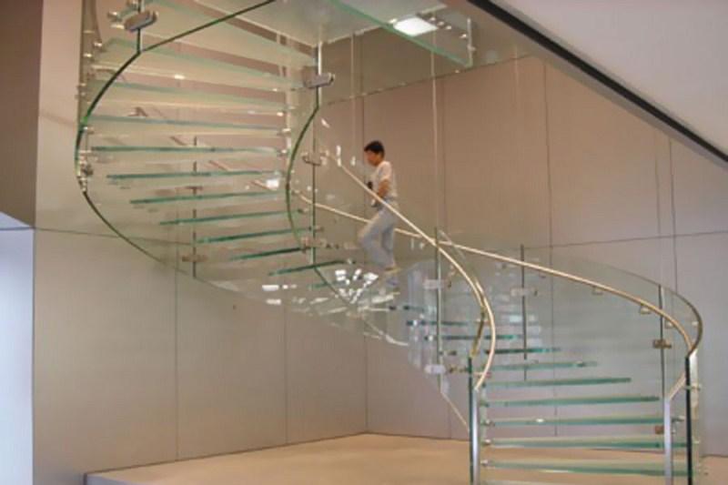 Cầu thang kính 3
