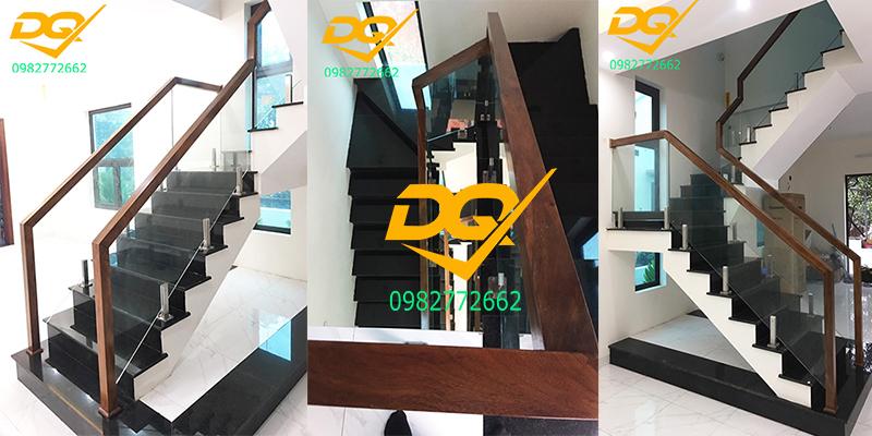 Mẫu cầu thang kính cường lực tay vịn gỗ đẹp nhất 2021