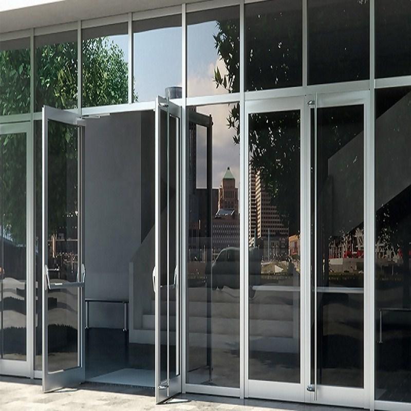 Các văn phòng hiện đại cũng trang bị cho mình hệ thống cửa nhôm kính cao cấp