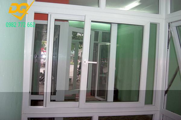 Mẫu cửa nhôm kính - 1