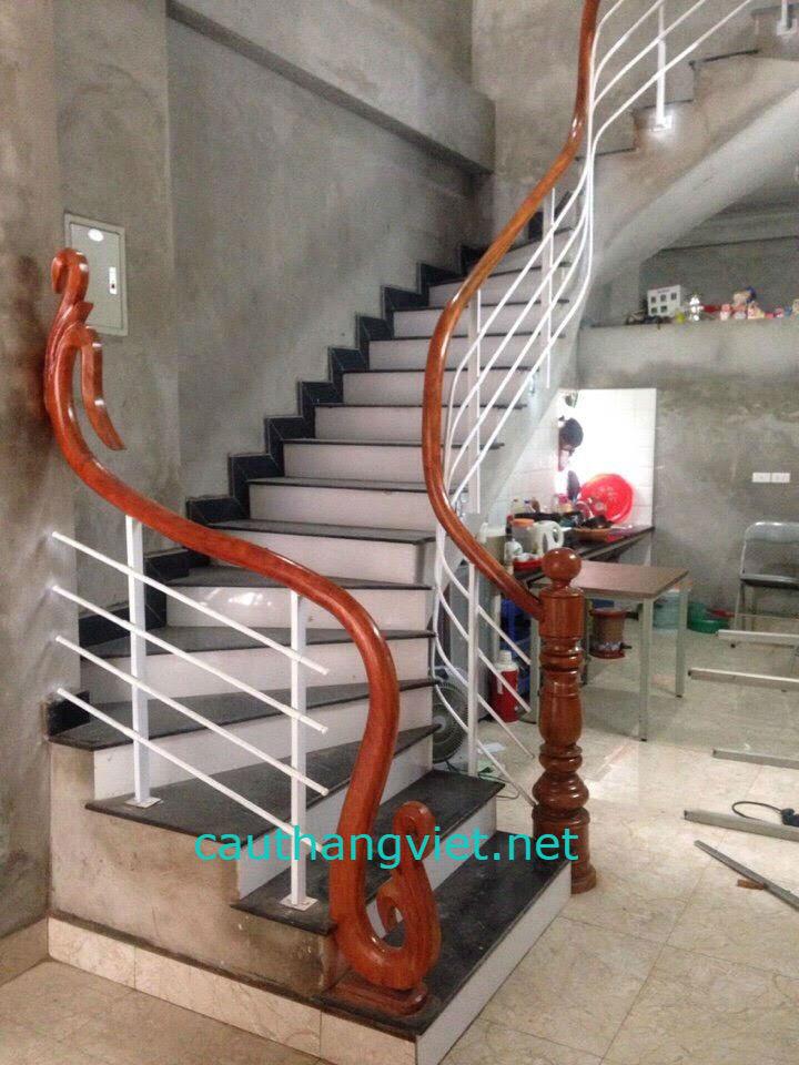 Mẫu cầu thang sắt hộp-Mẫu 8