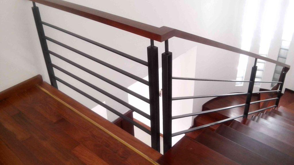 Mẫu cầu thang sắt hộp-Mẫu 5