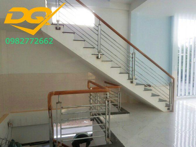Cầu thang sắt hộp-Mẫu 12