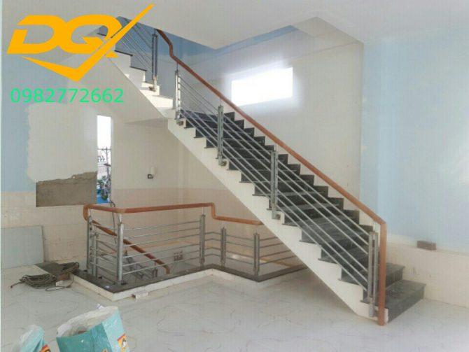 Cầu thang sắt hộp-Mẫu 14