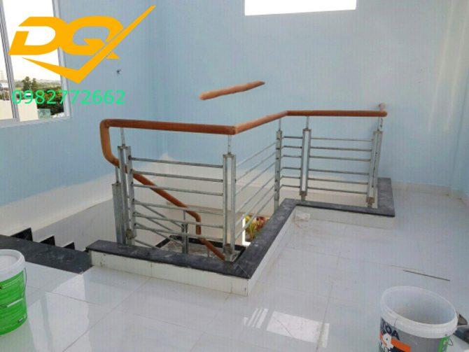 Cầu thang sắt hộp-Mẫu 15