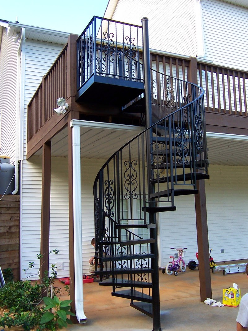 Cầu thang sắt hộp -Mẫu 11