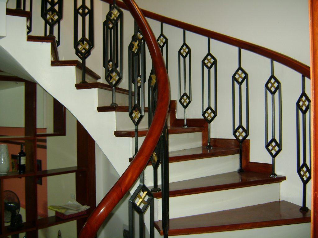 Mẫu cầu thang sắt hộp-Mẫu 6