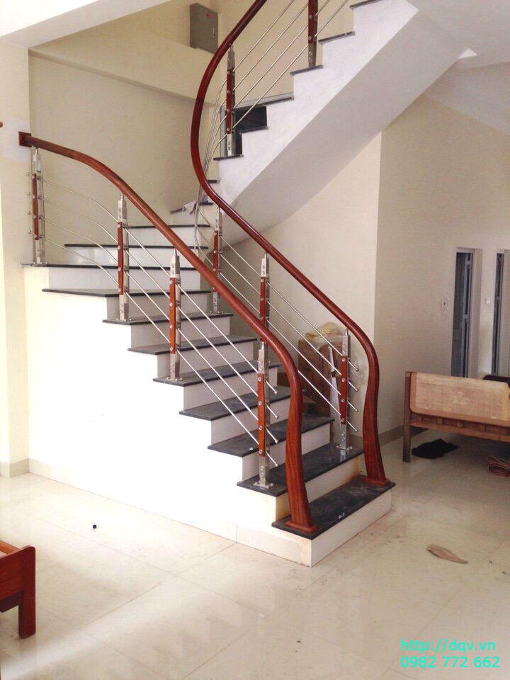 Cầu thang sắt tay vịn gỗ#8