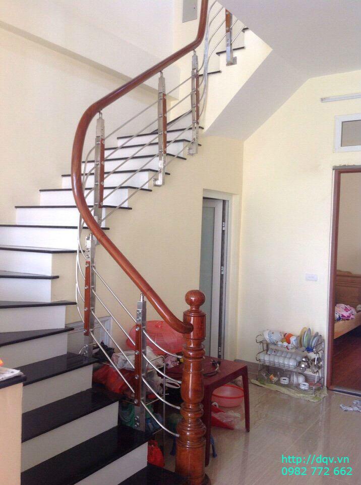 Cầu thang sắt tay vịn gỗ#9