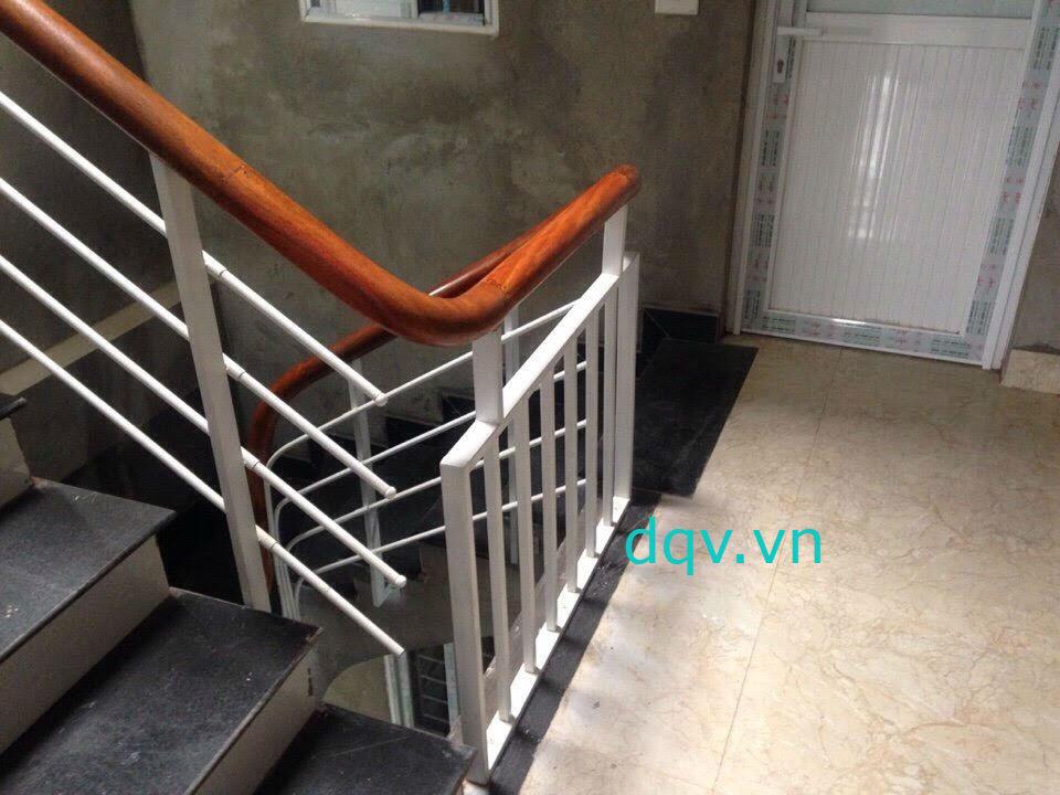 Mẫu cầu thang sắt hộp-Mẫu 4