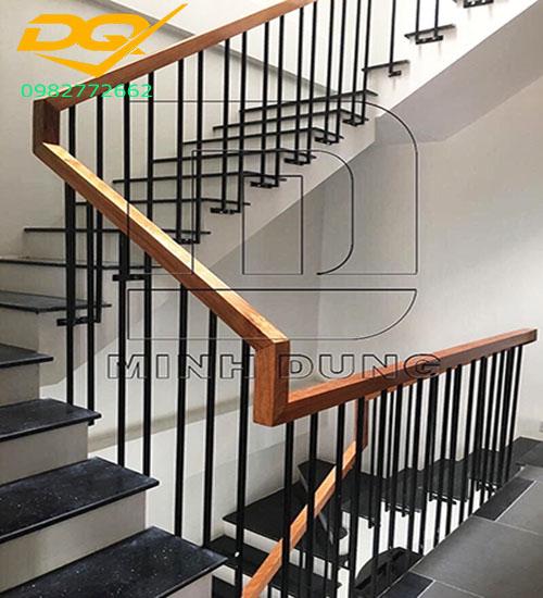 Cầu thang sắt tay vịn gỗ#12