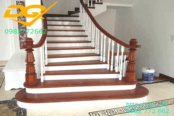 Mẫu cầu thang gỗ tự nhiên vuông lim nam phi đẹp 2020#2