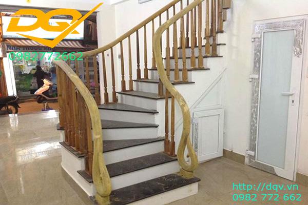 Mẫu cầu thang gỗ tự nhiên vuông lim nam phi đẹp 2020#4