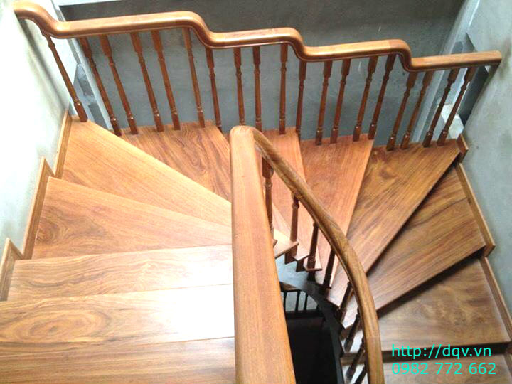 Mẫu cầu thang gỗ#7