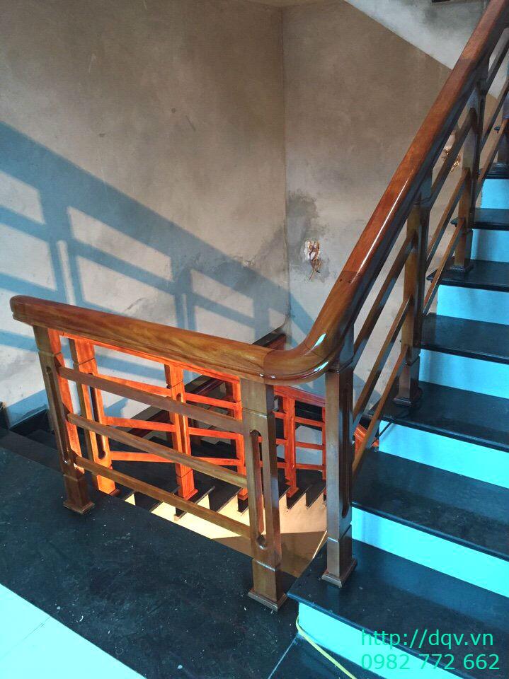Mẫu cầu thang gỗ song luồn lim nam phi#12