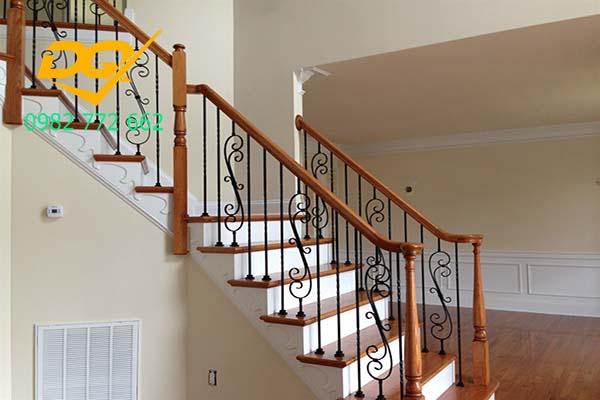 Cầu thang sắt nghệ thuật#4