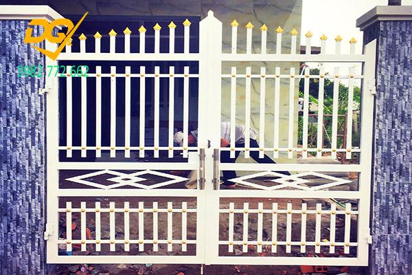 Cửa cổng sắt inox đẹp#17