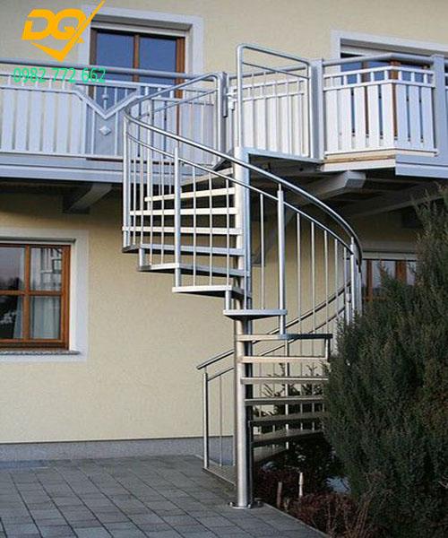 Cầu thang xoắn ốc inox#4