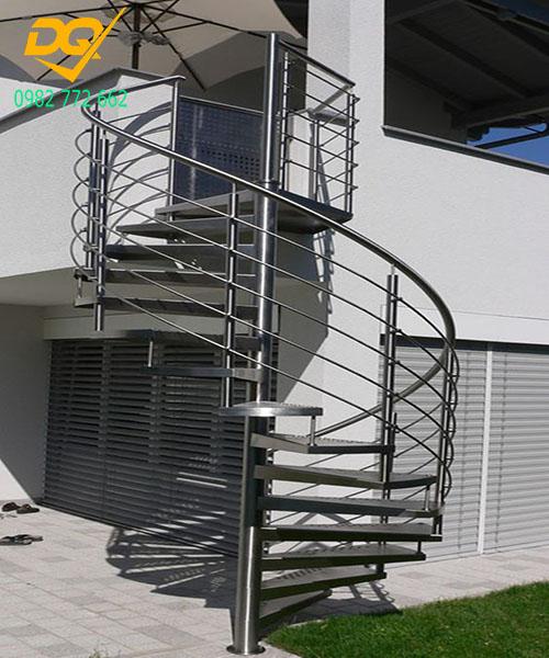 Cầu thang xoắn ốc inox#9