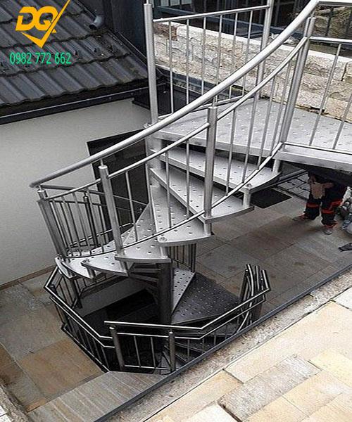 Cầu thang xoắn ốc inox#7