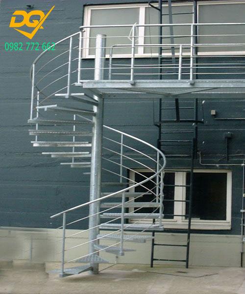 Cầu thang xoắn ốc inox#6