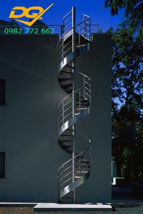Cầu thang xoắn ốc tại Nha Trang đẹp#3