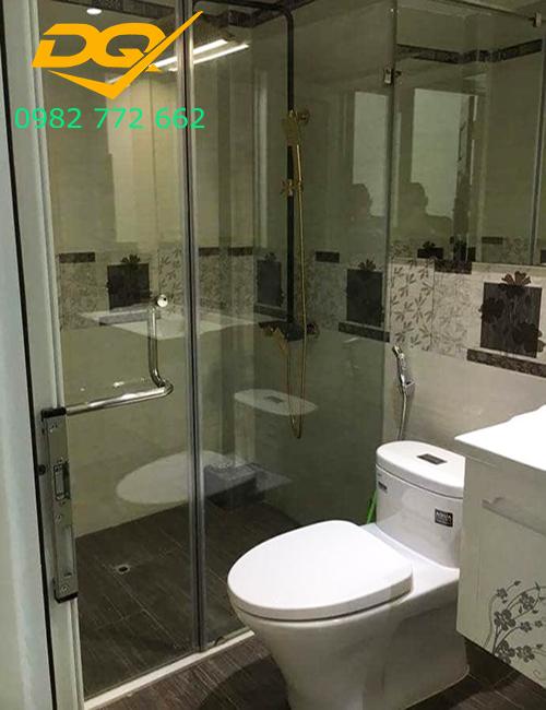 Vách tắm kính cho phòng tắm nhỏ#1