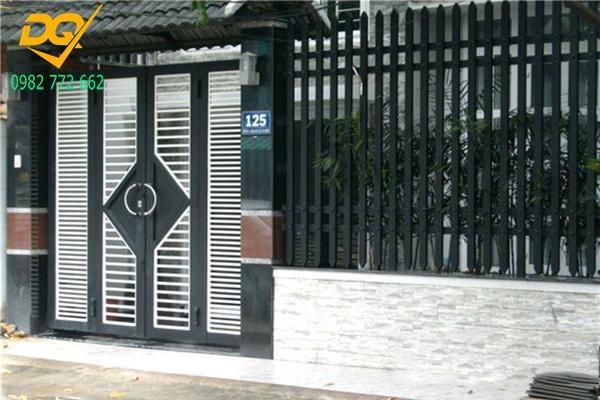 Mẫu cửa hàng rào sắt - 7