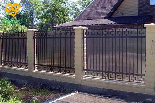 Mẫu hàng rào sắt đơn giản đẹp - 2
