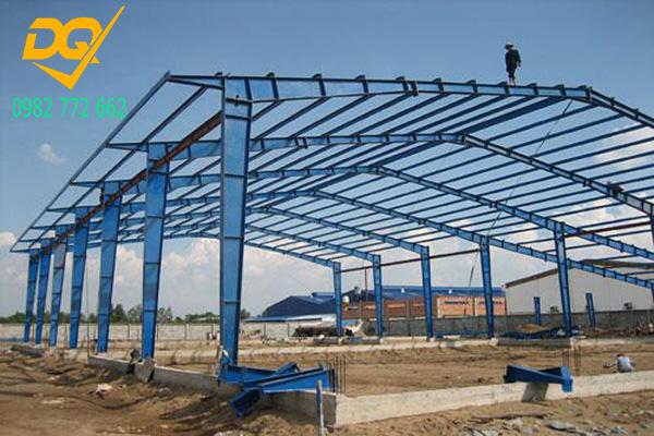 Mẫu nhà xưởng lợp mái tôn bằng thép - 2
