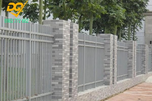 Mẫu hàng rào sắt đơn giản đẹp - 10