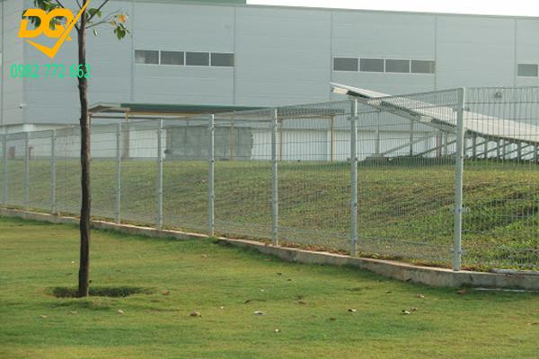 Mẫu hàng rào lưới thép b40 - 9