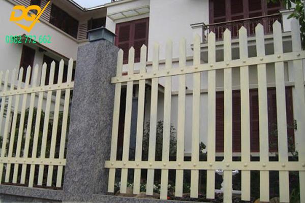 Mẫu hàng rào sắt đơn giản đẹp - 11