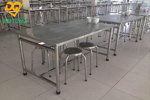 Mẫu bàn ghế Inox đẹp - 3