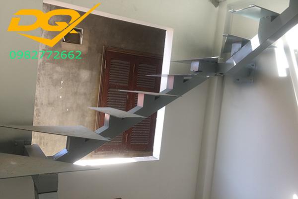 Cách làm cầu thang xương cá bằng sắt#4