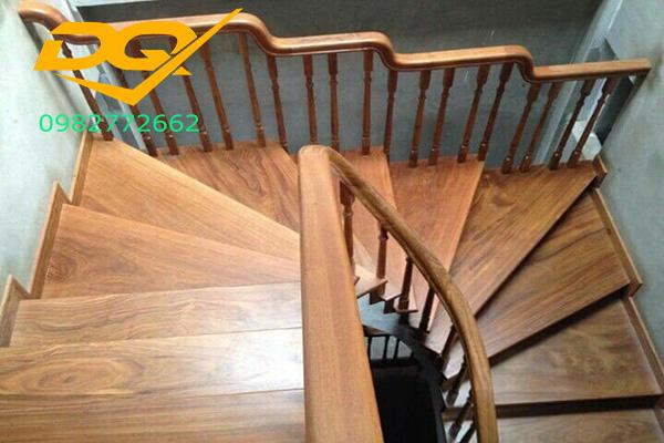 Ưu điểm của mặt bậc cầu thang gỗ nhựa#1