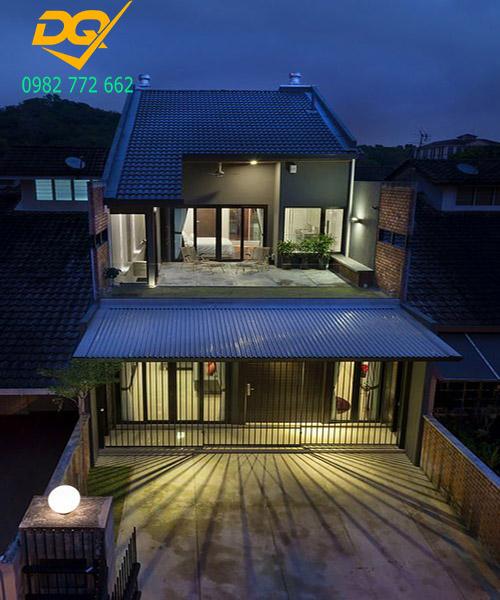 Nhà 2 tầng mái tôn #